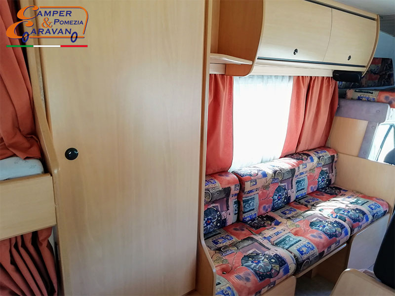 camper-chausson-welcome-30-1999-armadio